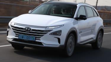 Hyundai NEXO front white