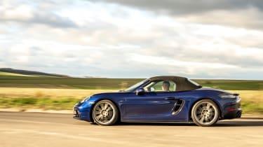 Porsche Boxster GTS 4.0 PDK side roof up