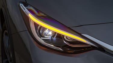 Infiniti Q30 - front light detail