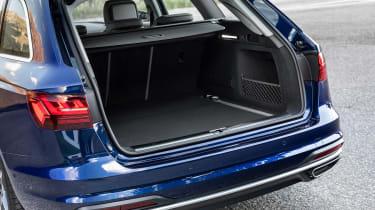 Audi A4 Avant 2019 boot