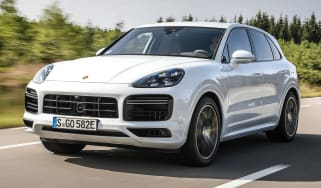 Porsche Cayenne Turbo S E-Hybrid - front tracking