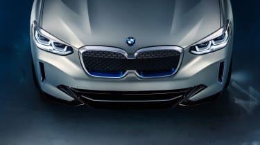 BMW iX3 - grille