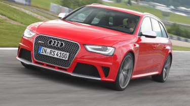 Audi RS4 Avant front tracking