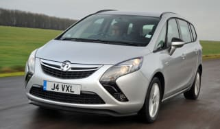 Vauxhall Zafira Tourer front tracking