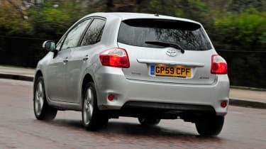 Toyota Auris rear tracking