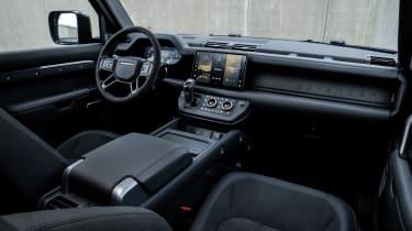 Land Rover Defender V8 - cabin