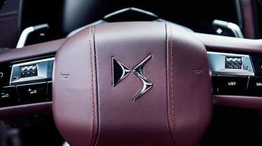DS 9 - steering wheel