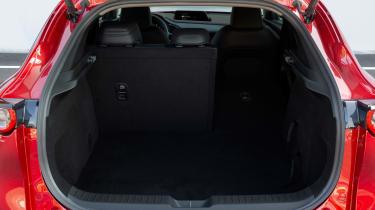 Mazda CX-30 SkyActiv-X - boot