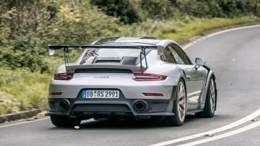 Porsche 911 GT2 RS - rear cornering
