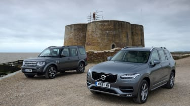 Volvo XC90 vs Land Rover Discovery 3