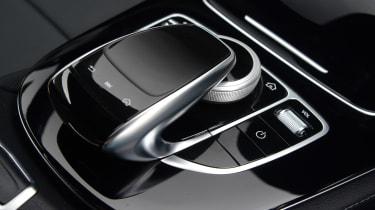Mercedes E 350d 2016 - centre console