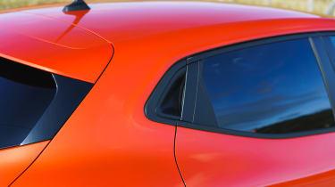 Renault Clio - c-pillar
