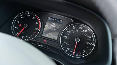 SEAT Leon dials