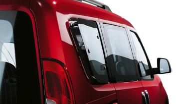 Fiat Doblo  - window