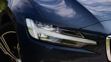 Volvo V60 - front light