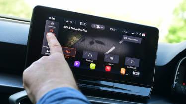 SEAT Leon e-Hybrid long termer - first report touchscreen