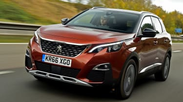 3008 minutes in a Peugeot 3008 - front tracking 2