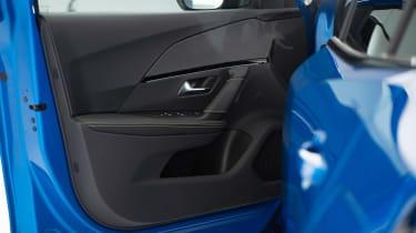 Peugeot e-2008 - door