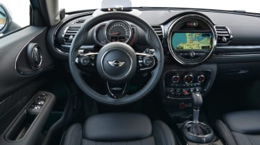 MINI Clubman ALL4 2016 - interior