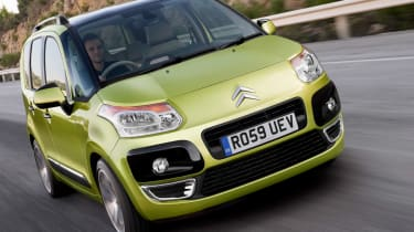 Citroen C3 Picasso front tracking