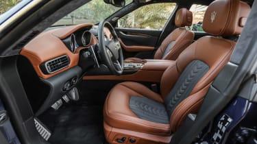 Maserati Levante - front seats