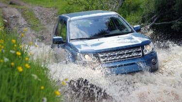 Land Rover Freelander facelift splash