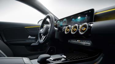 Mercedes CLA Shooting Brake - studio infotainment