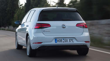 Volkswagen e-Golf - rear tracking