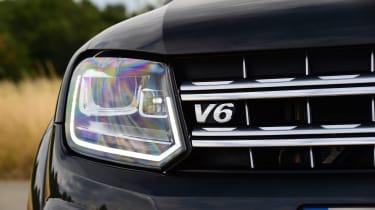Volkswagen Amarok Dark Label - headlight
