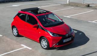 Toyota Aygo X-pression X-Wave front
