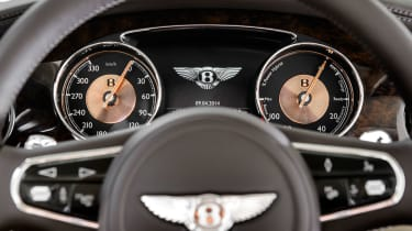 Bentley-Hybrid-Concept-steering-wheel
