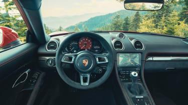 Porsche 718 Cayman GTS 4.0 - dash