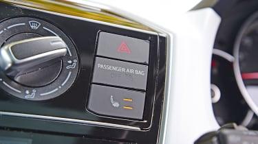 Suzuki Ignis - buttons