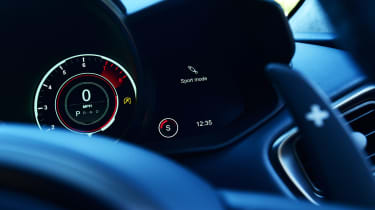 Aston Martin DBS Superleggera - dials