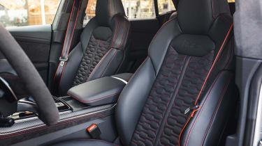 Audi RS Q8 - front seats