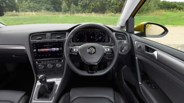 Volkswagen Golf - Interior