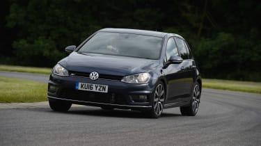 Audi A3 vs Volvo V40 vs Volkswagen Golf - Golf front cornering