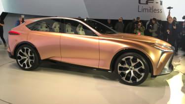 Lexus LF-1 Limitless - show side
