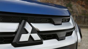 Mitsubishi ASX - grille