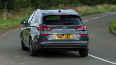 Hyundai i30 Tourer - rear cornering