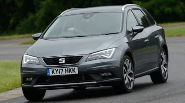 SEAT Leon X-Perience - front cornering