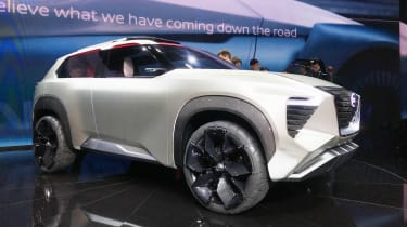 Nissan Xmotion - Detroit side