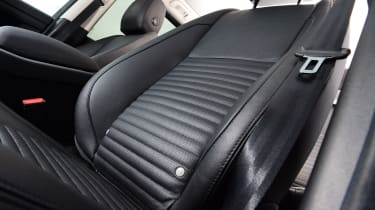 Land Rover Discovery Sport - seats