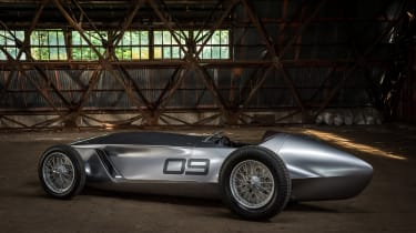 Infiniti Prototype 9 - side static