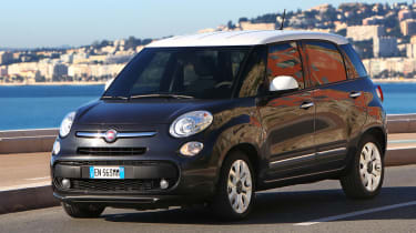 Fiat 500L front three-quarters