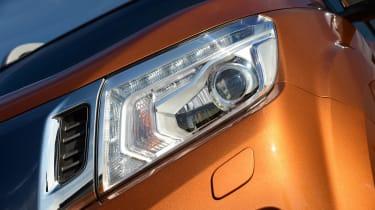 Nissan Navara - headlight