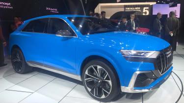 Audi Q8 concept - show front/side