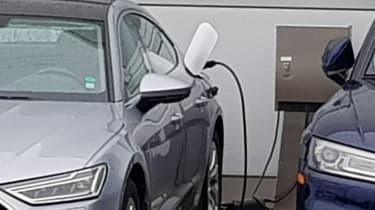 New Audi Q5 e-tron and A7 e-tron plug