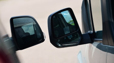 Fiat Doblo vs Citroen Berlingo vs Ford Tourneo Connect - door mirrors