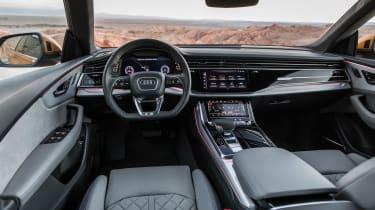Audi Q8 - dash